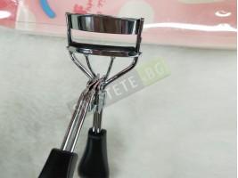 Инструмент за извиване на мигли
