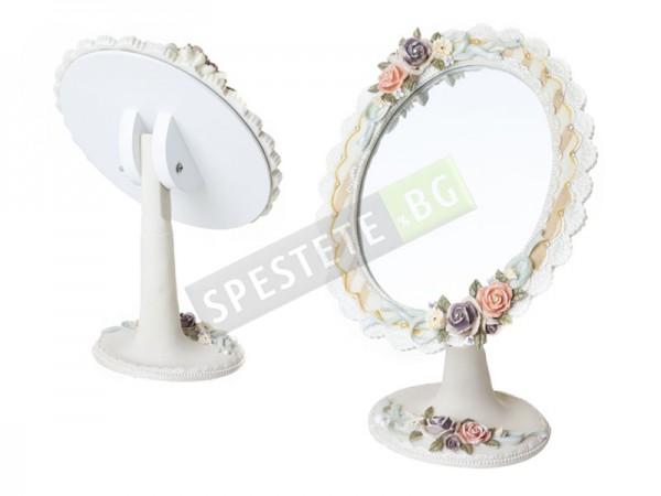 Винтидж огледало с красива рамка