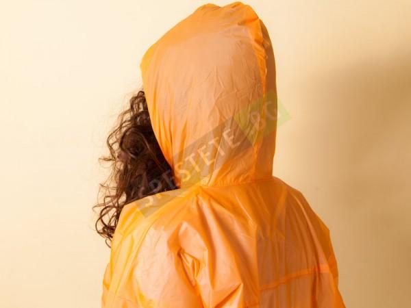 Дълъг детски дъждобран