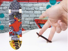 Мини скейт за пръсти