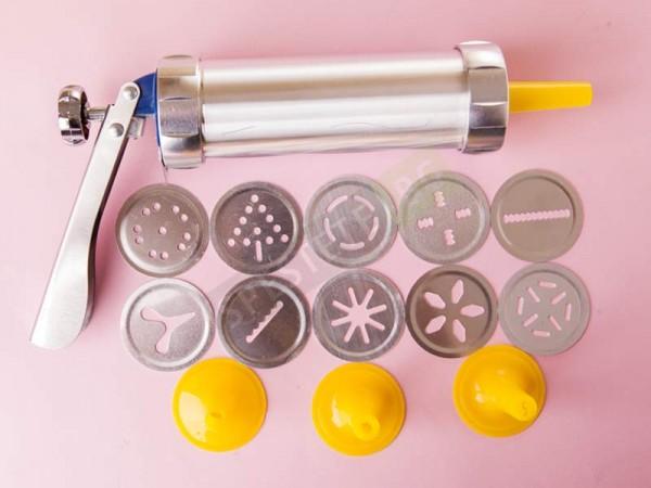 Алуминиев печат и шприц за сладки