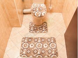 Комплект постелки за баня тоалетна