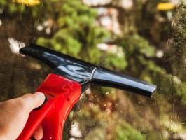 Безжичен уред за почистване на прозорци