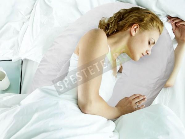 Възглавница за странична поза против хъркане